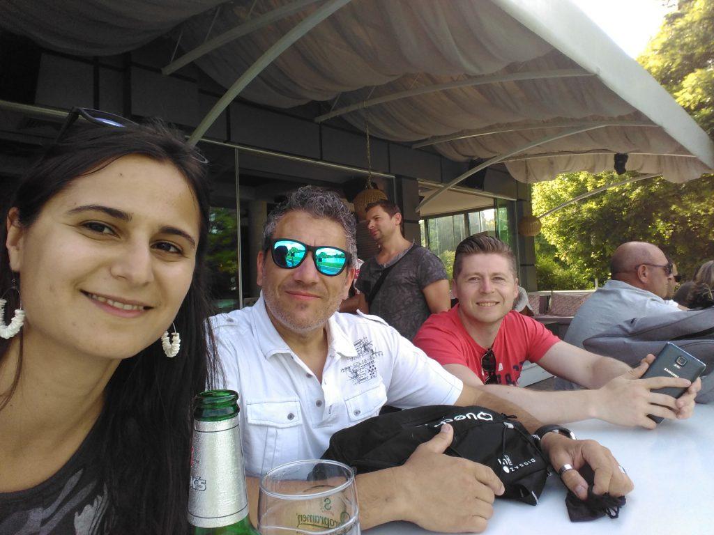 Pela, Daniel y yo en el PARQUE DEL ZAR SIMEÓN Plovdiv