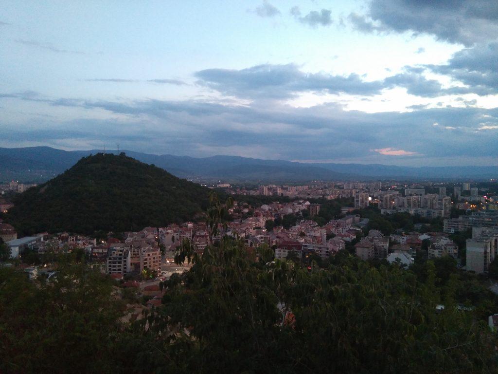 Vistas desde el MONUMENTO ALYOSHA de Plovdiv
