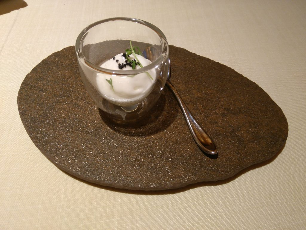 Restaurante Auga: Crema de bacalao y gel de tomate