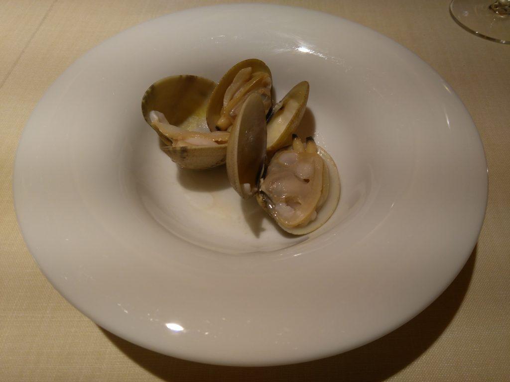 Restaurante Auga: Almejas en aceite de ajo